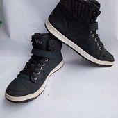 Женские высокие зимние кроссовки.
