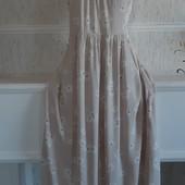 Очень красивое платье с кружевом р-р 48