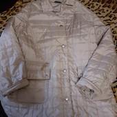 продам  женскую стеганную курточку