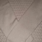 Теплый свитер кремового цвета на пышные формы