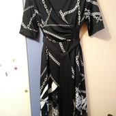 Новое, красивое платье на запах в стиле Versace от Punt Roma, р.44 евро (наш 50/52)