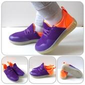 Яркие ,красивые,удобные кроссовки! Отличное качество!Размер28, 30, 34