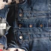Короткий джинсовый жилет