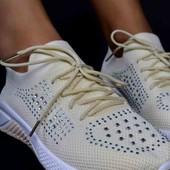 Стильные женские кроссовки  Демисезон