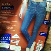 ЦЦ67.стильные джинсы Skinny Fit , от Esmara.