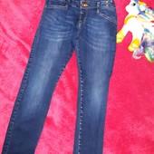 Обалденные брендовые джинсы-скинни River Island,на девочку 9-10 лет