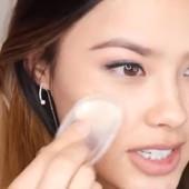 Силикоспонж,быстро и легко моется,совершенно не«съедает»продукт,хорошо наносит макияж. .1шт