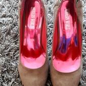 Очень шикарные, устойчивые туфли