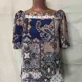 Блузочка с открытыми плечами и разрезом на спинке,s/m