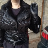 Девченкам ну очень дёшево посмотрите!!!Супер крутая куртка натуральный замш и натуральный мех.
