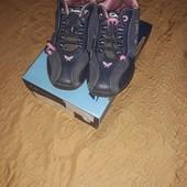 Кроссовки для девочки р .30