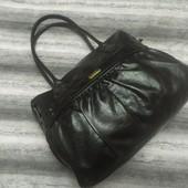 Вместительная черная сумка Fcuk