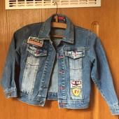 Курточка джинсова на хлопчика 5-6 років