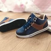 Весенние кроссовки,удобные,качество супер р.37,