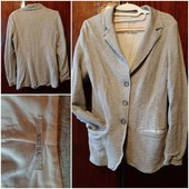 Красивый элегантный пиджак на подкладке
