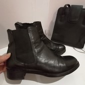 Натуральные кожаные ботинки. Италия