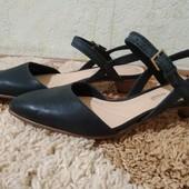 Стильные туфли-босоножки Clarks, размер 37 (по стельке 24 см)