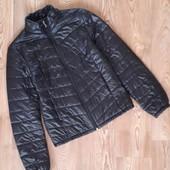 Фирменная,облегчённая куртка!Состояние новой!