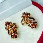 Одни!Серьги-гвоздики с камнем,медзолото,585 пр