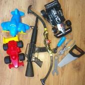 Хорошие игрушки для мальчика! Инерционная машинка..
