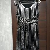 Фирменное красивое платье в пайетках в состоянии новой вещи р.12-14.