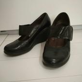 Туфли на платформе с липучками.24см(собирайте мои лоты)