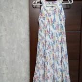 Фирменное красивое шифоновое платье-плиссе в состоянии новой вещи р.8-12 или на на13-14 лет