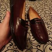 Туфли 37-24 см, 39- 24,5 см стелька