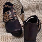 Классные туфельки на весну. Новые. Замшевые.
