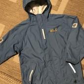 Класна куртка вітровка Jack Wolfskin на зріст 128