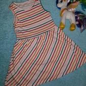 Красивое фирменное платье,на девочку 5-6 лет