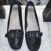 Чёрные классические кожаные туфли George