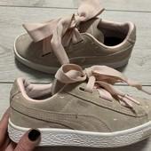 Очень красивые замшевые кроссовки Puma оригинал 33 размер стелька 20,5 см