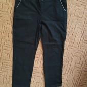 Джинсовые черные брюки