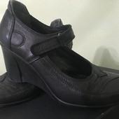 Туфлі шкіряні 37(23,5).