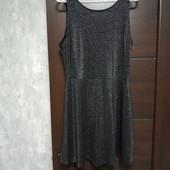 Фирменное новое красивое трикотажное платье р.12-14 вискоза 56%