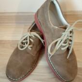 Стильні фірменні туфлі, в середині повністю шкіра із супінатором, стан нових, США, знижка на УП 10%