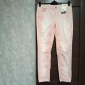 Фирменные новые красивые коттоновые брючки-джинсы р.42(14-16) пр-ва Турция.