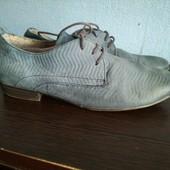 153. Туфлі