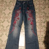 Крутые джинсы с вышивкой