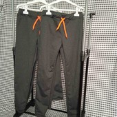 Классные, очень удобные спортивные штаны для мальчика. 122 размер. Одна ростовка!!