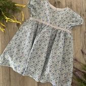 Платье для девочки 6-9 месяцев. В хорошем состоянии.