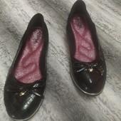 Черные туфли балетки с бантиком на девочку, стелька 21,5 см.