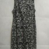 Стильное платье в черно- белом цвете George