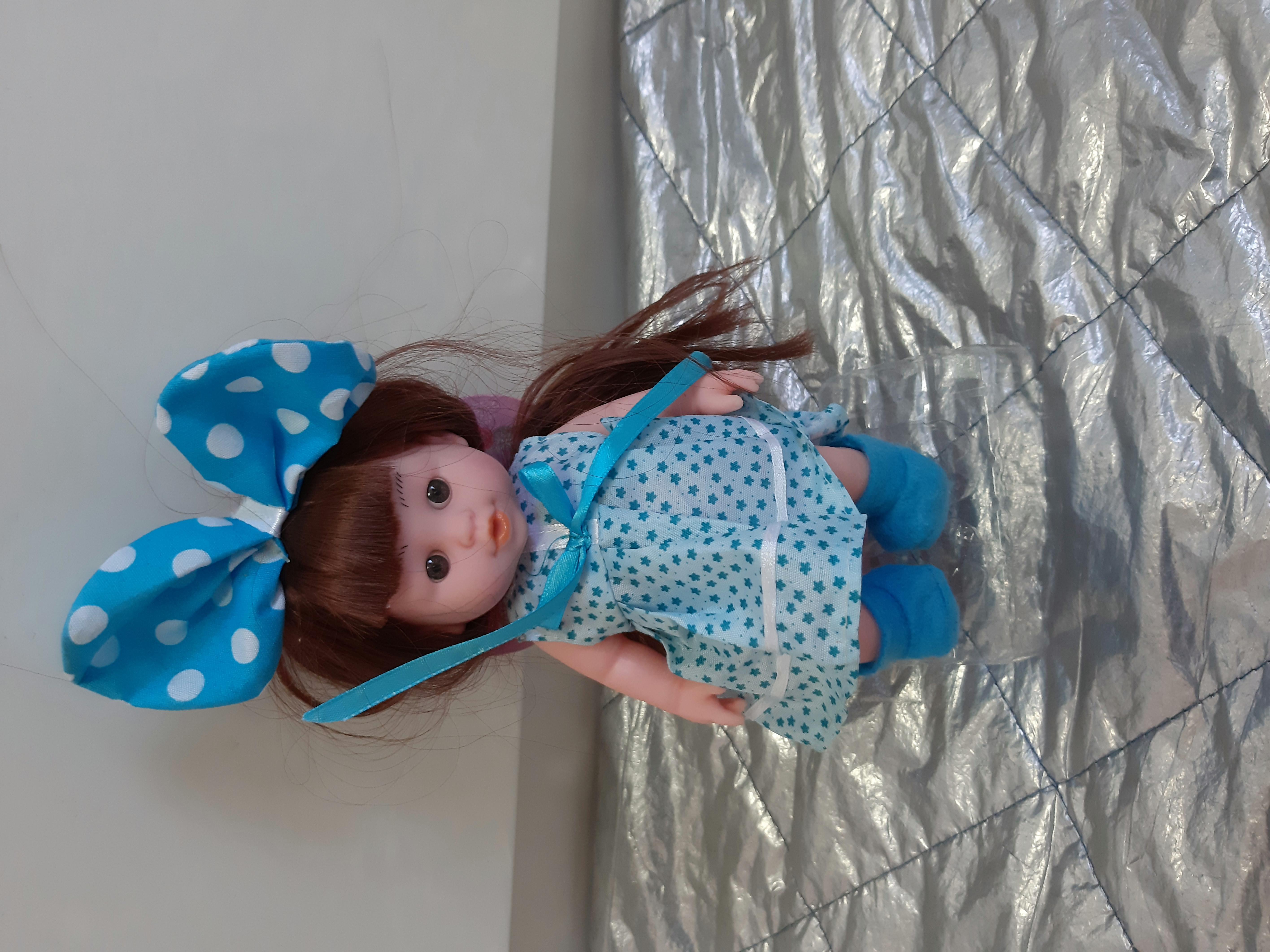 Красивенькая кукла 20 см