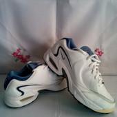 Фірменні Nike - оригінал натур. шкіра кросівки розм.39 ( Незначний ньюанс )