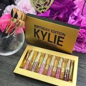 Набор помад 6 штук)Матовые Помады Kylie Jenner Gold