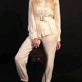Стильний жіночий костюм