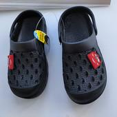 Крокси сабо шльопанці дітям ,чорні тачки маквін р25,26 на вибір