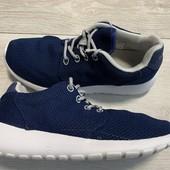 Отличные легкие кроссовки 38 размер стелька 24,5 см
